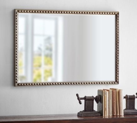 Choosing mirror for bathroom: what should be taken into account