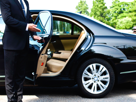 Limousines are offered in white, black, pink and other colors. Recommendations for selection